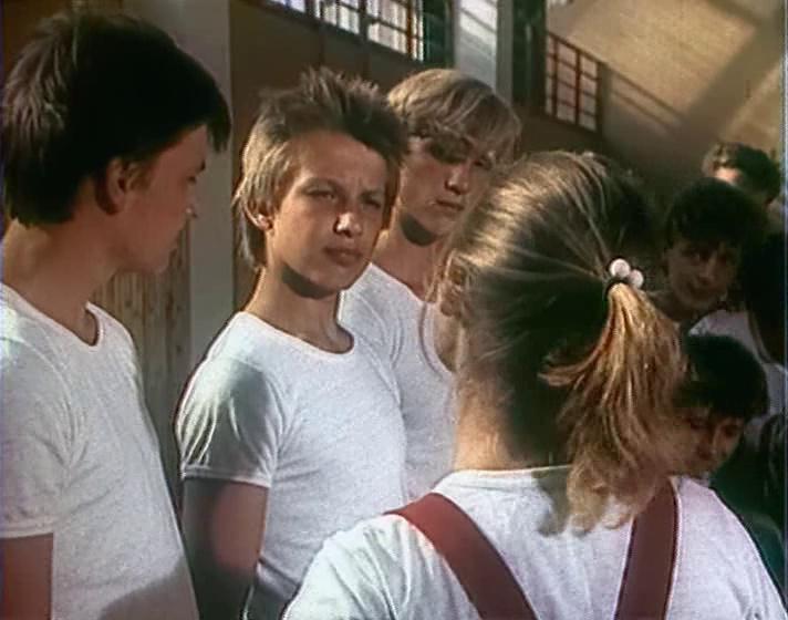Выше радуги (1986) satrip (2 серии) торрнадо. Org.
